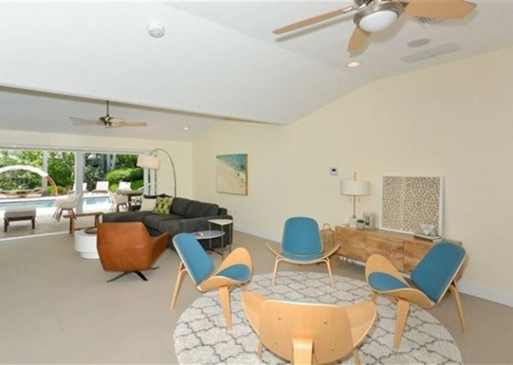 Sophisticated updated modern pool home on St. Armands sleeps 11 #7