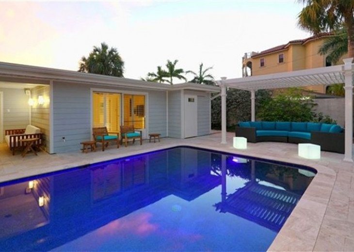 Sophisticated updated modern pool home on St. Armands sleeps 11 #18