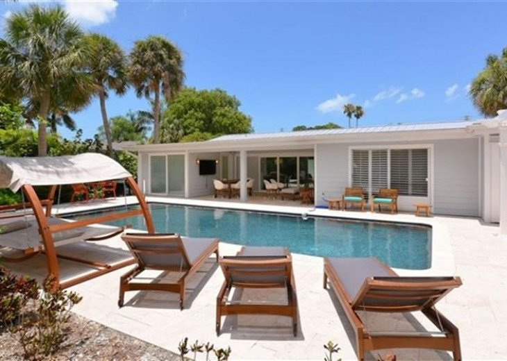 Sophisticated updated modern pool home on St. Armands sleeps 11 #2