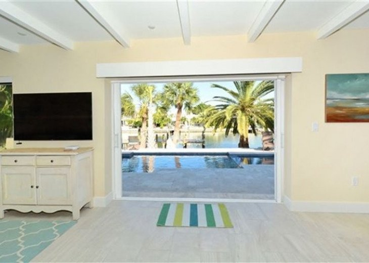 St. Armand's Canal-front Pool Home ~ freshly remodeled and steps to the beach! #19