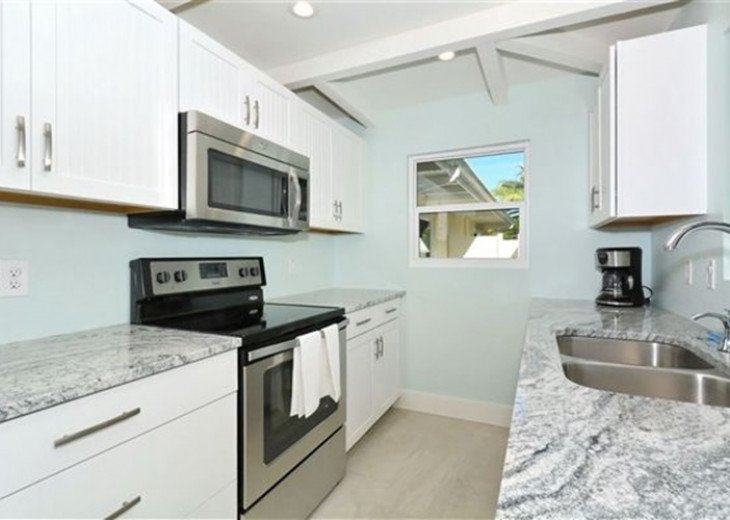 St. Armand's Canal-front Pool Home ~ freshly remodeled and steps to the beach! #5