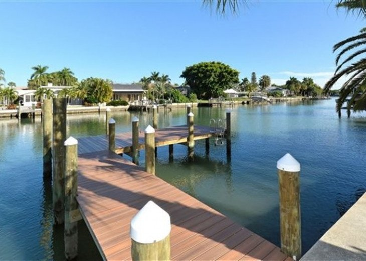 St. Armand's Canal-front Pool Home ~ freshly remodeled and steps to the beach! #12