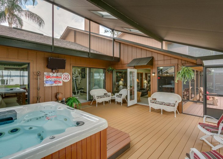 The hot tub is in the first covered lanai.