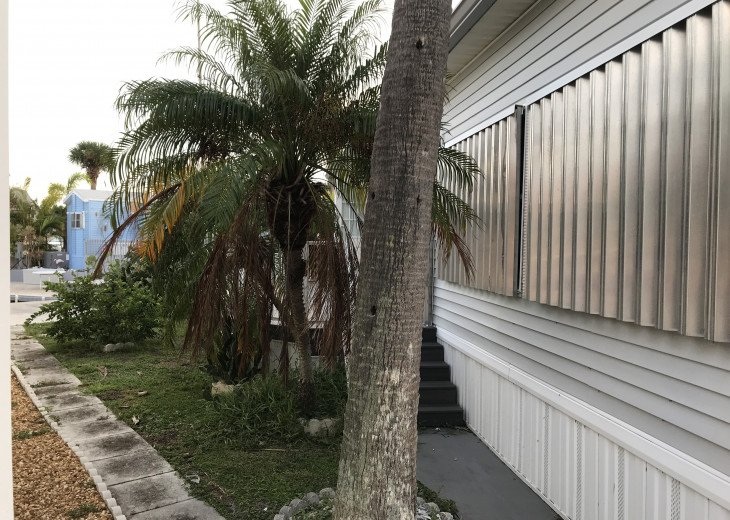 Living on Hutchinson island. Condo community. Private beach and pool. #4