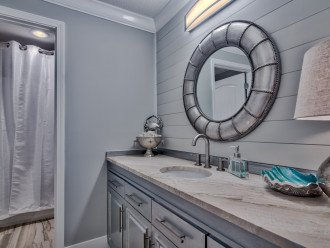 Guest bath with tub and shower combo