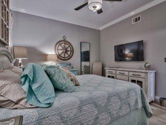 Guest Queen Bedroom with en suite bath