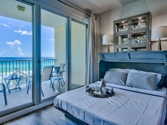 Murphy bed! How cool is that!