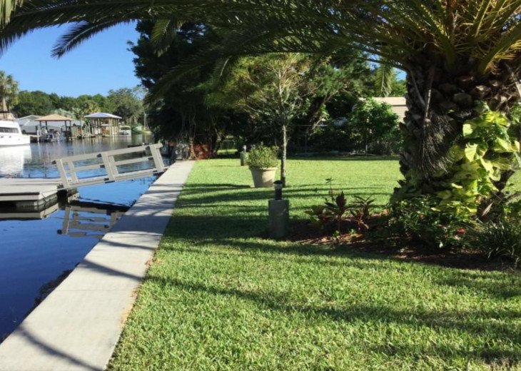 Private HOMosassa, WATERFRONT, 150 ft Seawall, Floating Dock #22
