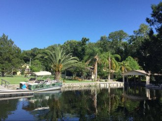Private HOMosassa, WATERFRONT, 150 ft Seawall, Floating Dock #1