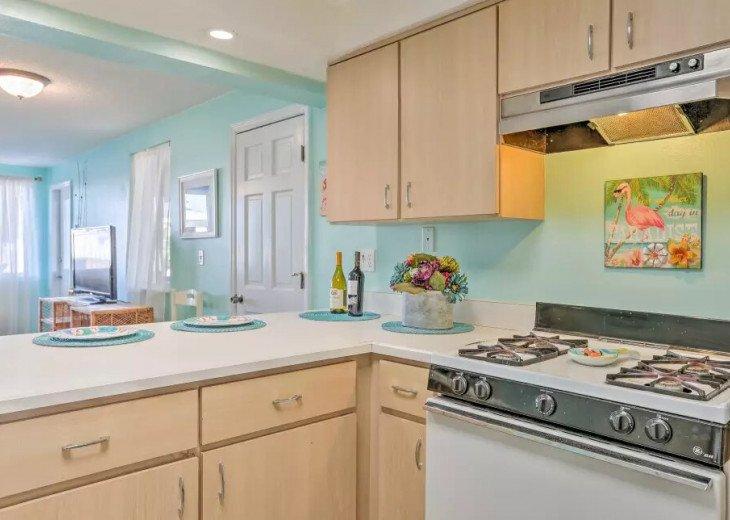 Cozy New Smyrna Beach Apartment - Steps from Beach #10
