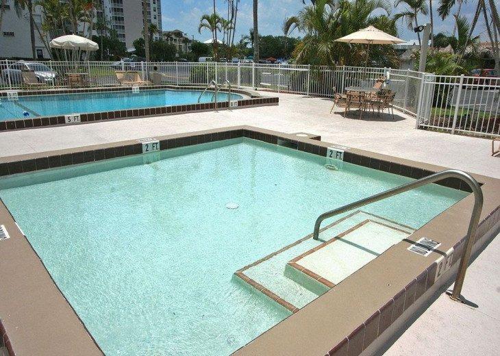 Luxurious Beach and Tennis Studio-Bikes, Two Pools, Tennis! Across from beach! #19