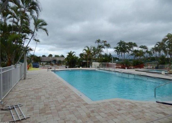 Luxurious Beach and Tennis Studio-Bikes, Two Pools, Tennis! Across from beach! #17