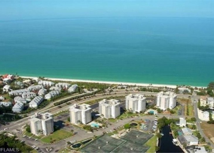 Luxurious Beach and Tennis Studio-Bikes, Two Pools, Tennis! Across from beach! #21