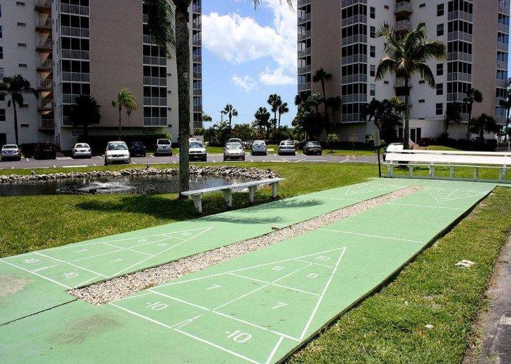 Luxurious Beach and Tennis Studio-Bikes, Two Pools, Tennis! Across from beach! #16