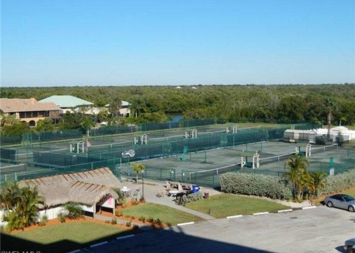 Luxurious Beach and Tennis Studio-Bikes, Two Pools, Tennis! Across from beach! #14