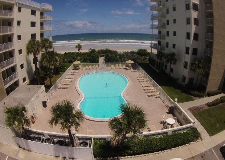 Sunrise Paradise, 2/2 Updated Corner Condo, Oceanfront, No-Drive Beach!. #4