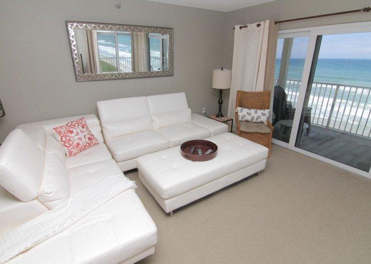Chic Beach Gem, 6th Floor Oceanfront Corner Condo With a View, No-Drive Beach #7