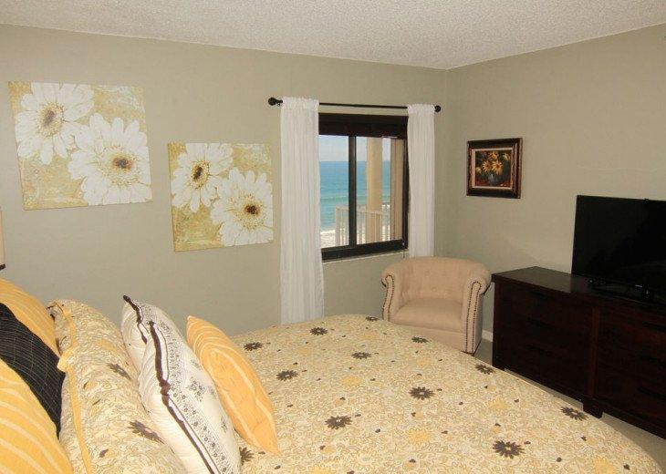 Chic Beach Gem, 6th Floor Oceanfront Corner Condo With a View, No-Drive Beach #3