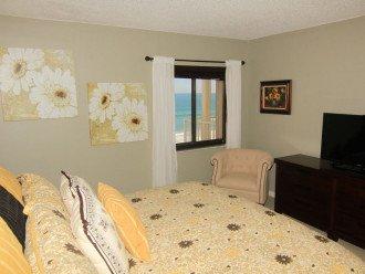 Chic Beach Gem, 6th Floor Oceanfront Corner Condo With a View, No-Drive Beach #1