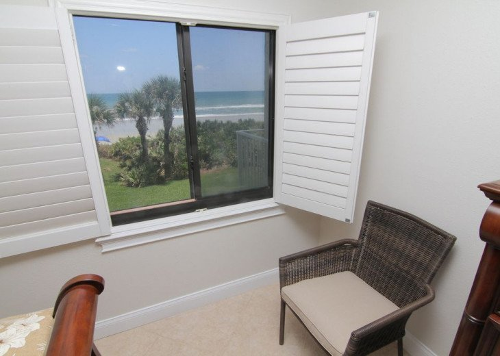 Palm and Sea Vista, Updated 2/2, Beach and Pool Views from Corner Balcony #20