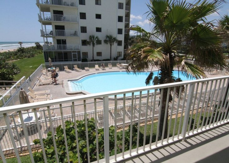 Palm and Sea Vista, Updated 2/2, Beach and Pool Views from Corner Balcony #28