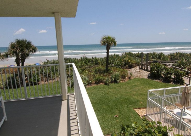 Palm and Sea Vista, Updated 2/2, Beach and Pool Views from Corner Balcony #27