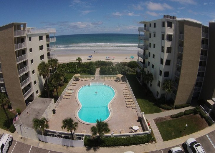 Palm and Sea Vista, Updated 2/2, Beach and Pool Views from Corner Balcony #30
