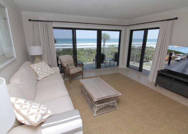 Palm and Sea Vista, Updated 2/2, Beach and Pool Views from Corner Balcony #7