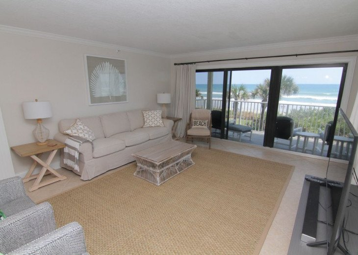 Palm and Sea Vista, Updated 2/2, Beach and Pool Views from Corner Balcony #8