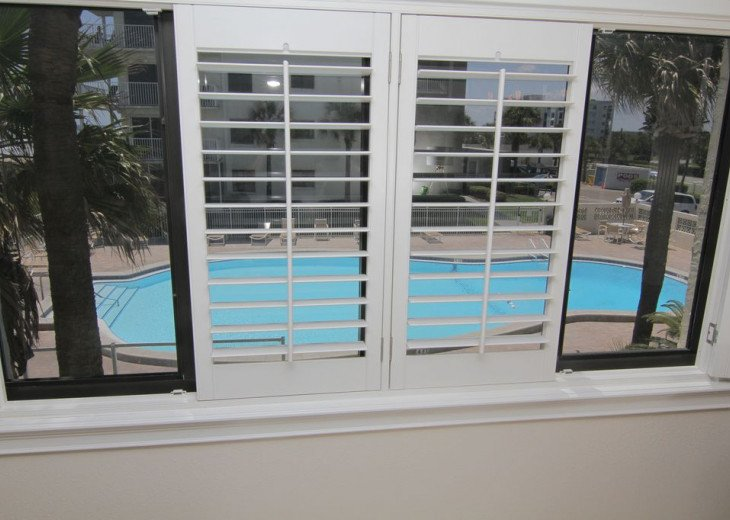 Palm and Sea Vista, Updated 2/2, Beach and Pool Views from Corner Balcony #12