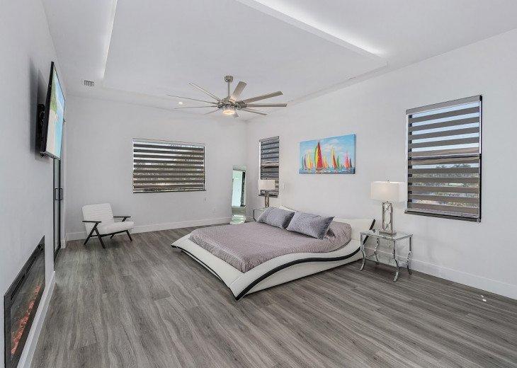 2 Master bedroom