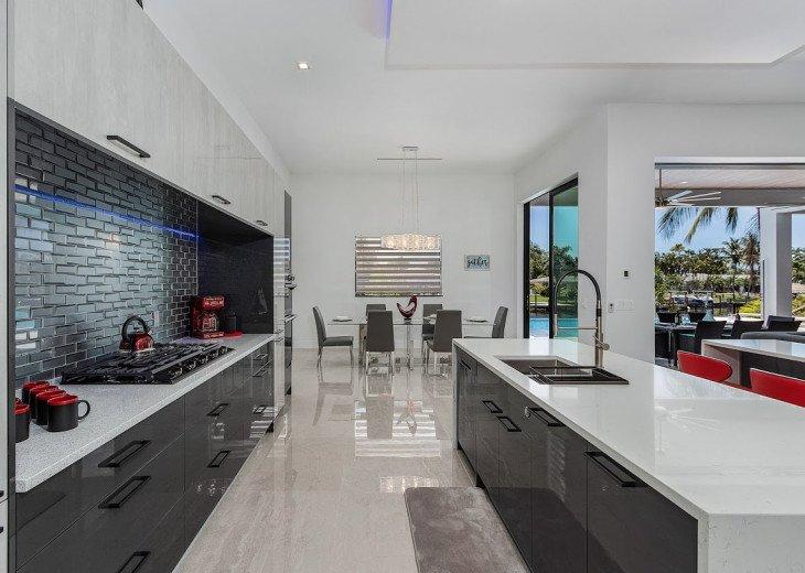 Luxury Home Cosmopolitan #34