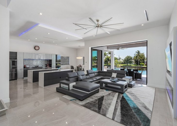 Luxury Home Cosmopolitan #20
