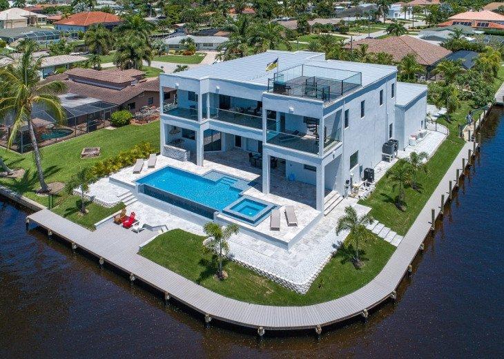 Luxury Home Cosmopolitan #1