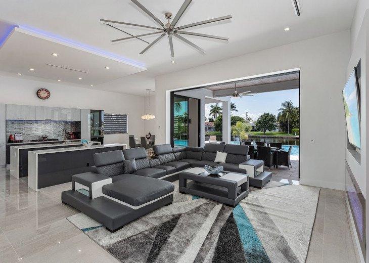 Luxury Home Cosmopolitan #42