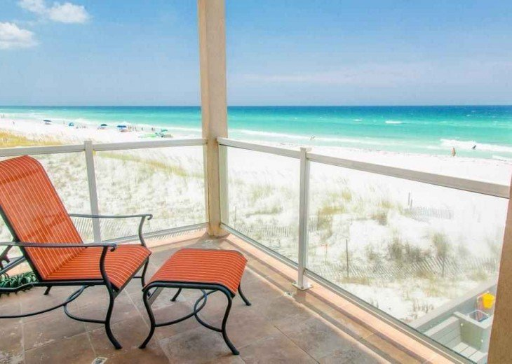 Views of the beach & Gulf of Mexico from 3 decks!