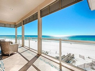 Views of the beach & Gulf of Mexico from 3 deck levels!