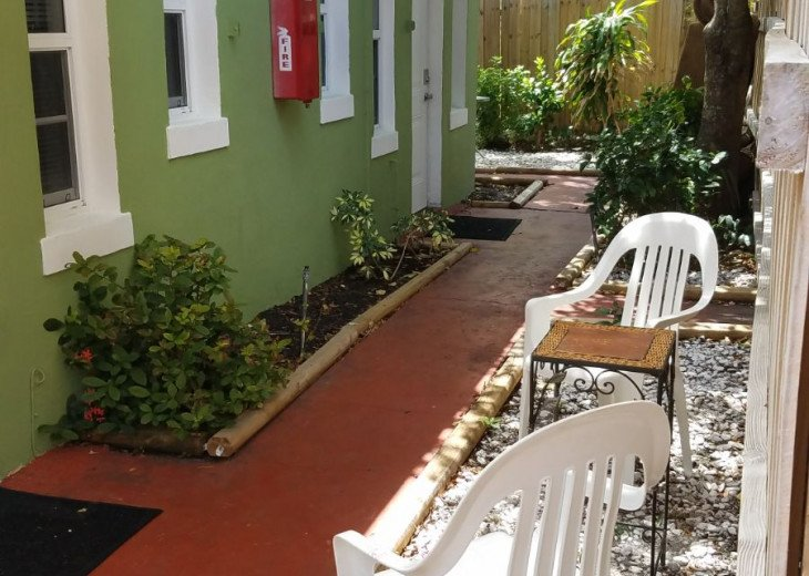 Lovely Furnished 1/1 Garden Apt - Private Parking & Utilities Included #7