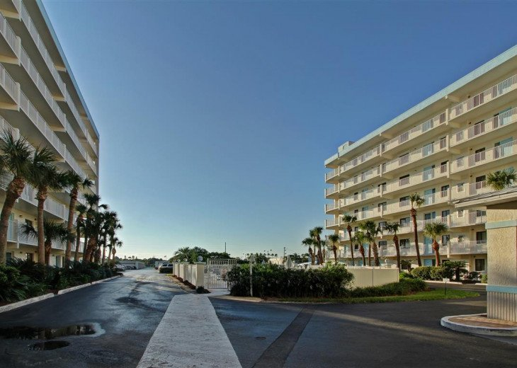 3 Bedroom 2 Bath Direct Ocean Front With A 44 Foot Wrap-Around Balcony #45
