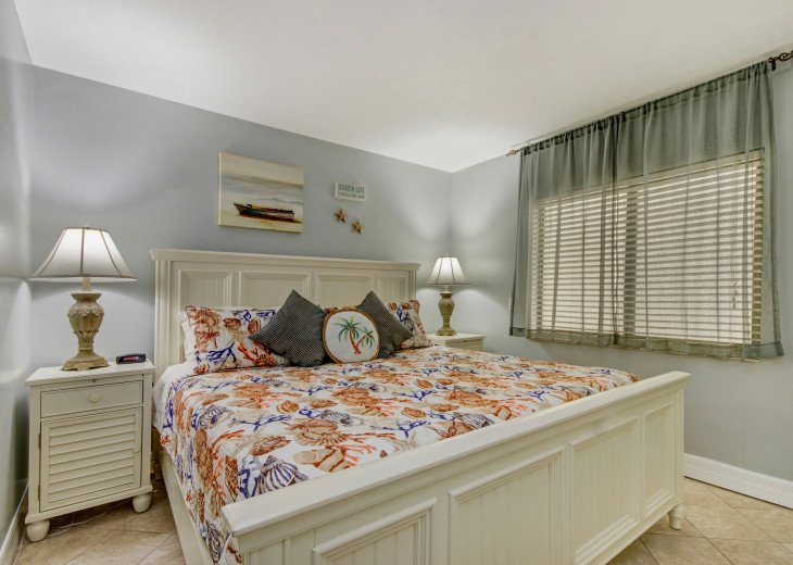 Nice size 3rd bedroom with a king bed