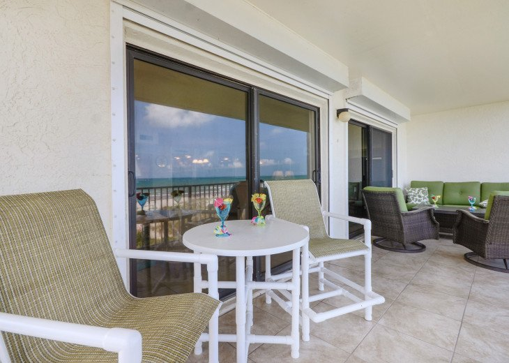 3 Bedroom 2 Bath Direct Ocean Front With A 44 Foot Wrap-Around Balcony #36