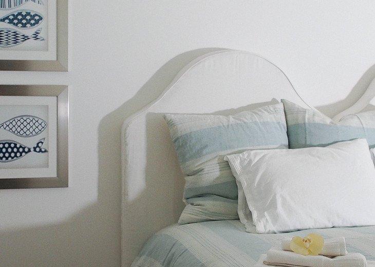 Fresh, beachy decor, luxury linens, comfy mattresses and quiet neighbourhood
