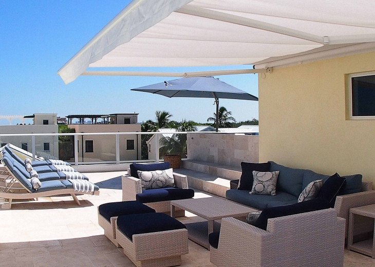 Your own rooftop oasis, with Endless pool and endless ocean views!