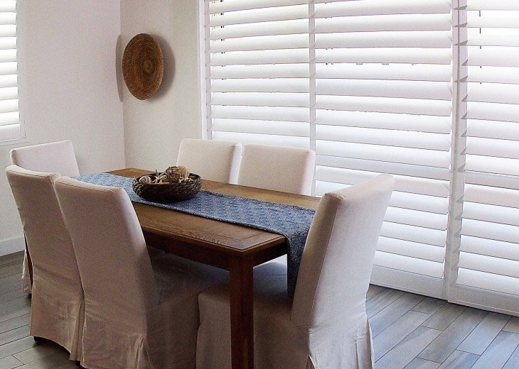 Dining table extends to comfortably accommodate your whole group