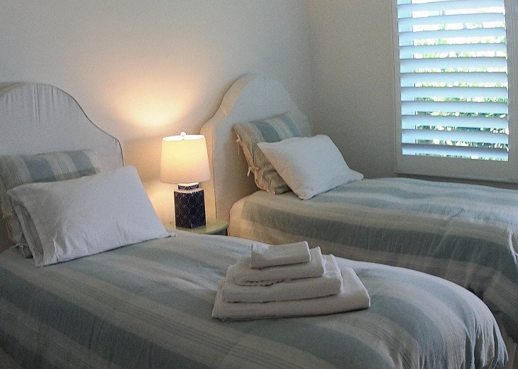 West bedroom can be set up with one king-size bed or two twin beds