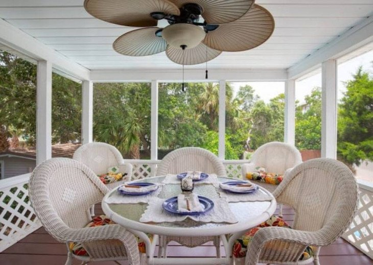 LOCATION LOCATION LOCATION Luxyry Beach House with VERY private pool #6