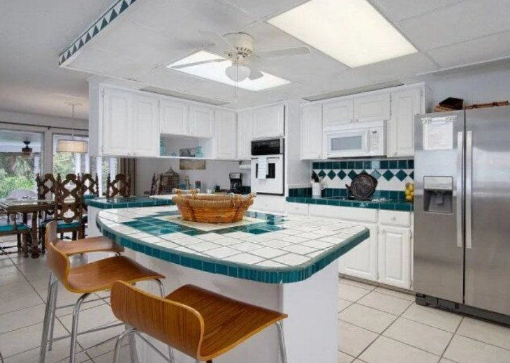 LOCATION LOCATION LOCATION Luxyry Beach House with VERY private pool #8
