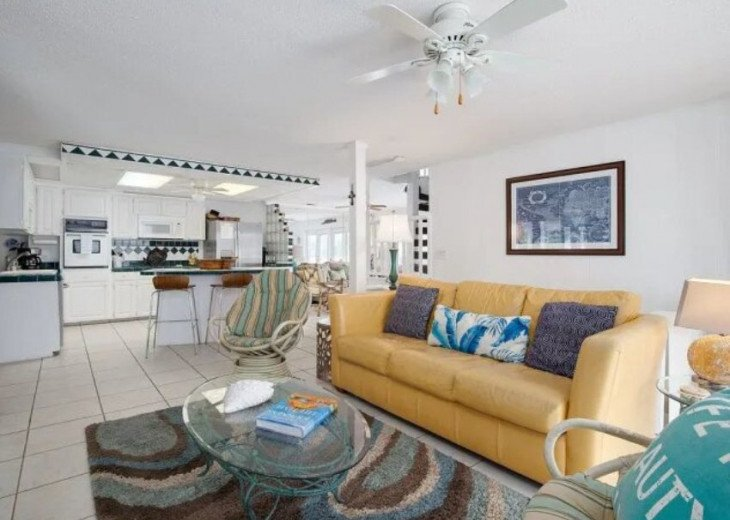 LOCATION LOCATION LOCATION Luxyry Beach House with VERY private pool #3