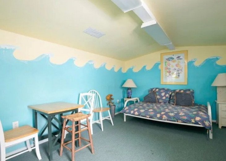 LOCATION LOCATION LOCATION Luxyry Beach House with VERY private pool #7