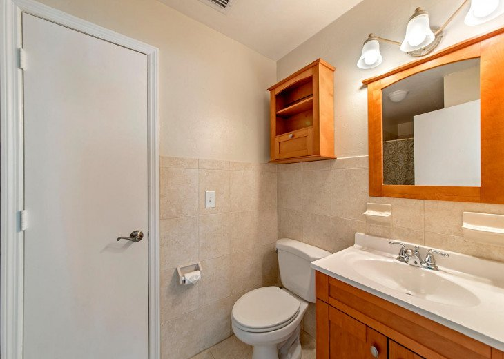 3-Piece Master Ensuite with Adjoining Cedar-Lined Closet!